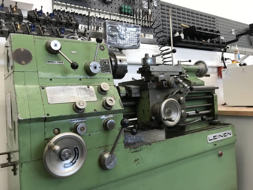 Leinen DLZ 140 Präzisionsdrehmaschine